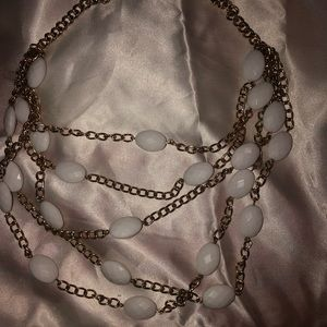 Vintage Jewelry - Vintage white faceted plastic beads goldtone chain